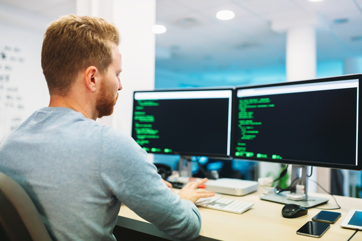Mencari Jasa Programmer Dengan Budget Yang Pas? Ini Solusinya